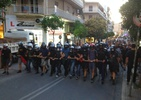 [Video] Athens: Protesters from the eastern suburbs attack the Town Hall of Zografou image